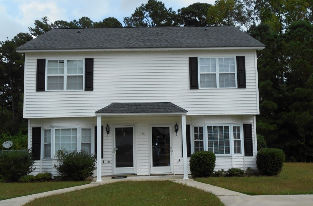 Lake Drive Townhome Duplex  AVAILABLE 1-15-2021
